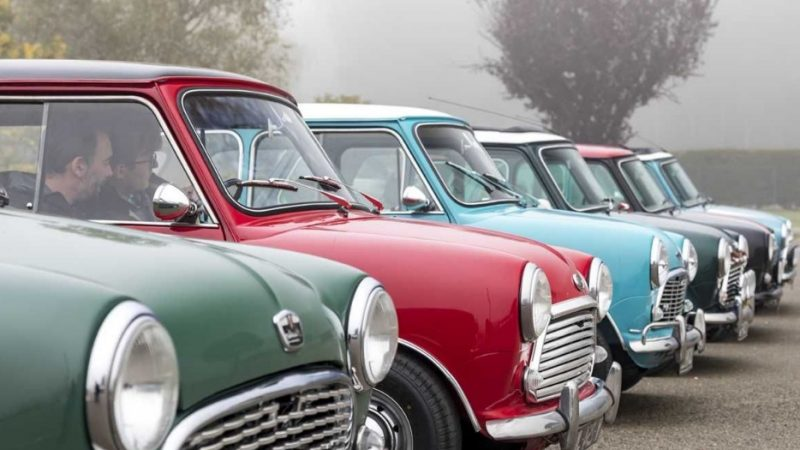 Des voitures Minis